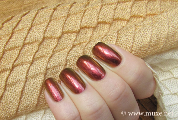 Sally Hansen Nail Prisms #08 Amber Ruby свотч
