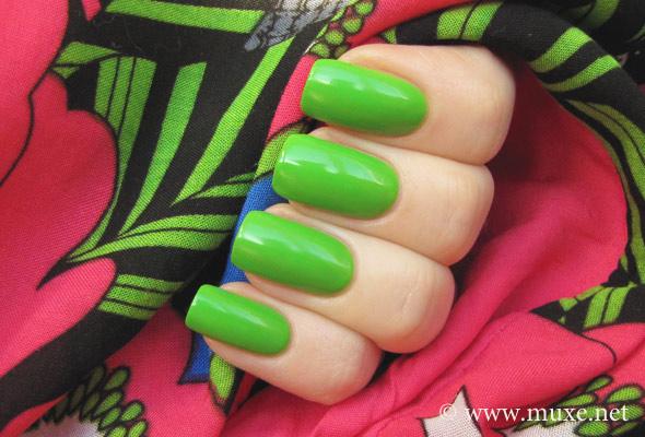 Orly Fresh 48722 — зеленый лак для ногтей свотч