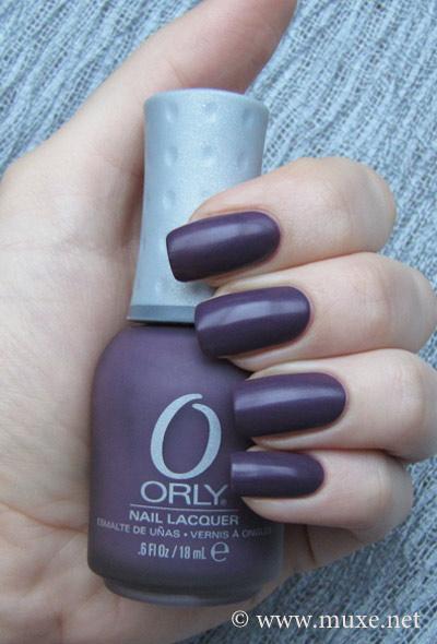 Orly Purple Velvet матовый лак свотч