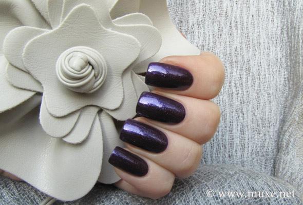 Velvet Rope - фиолетовый лак для ногтей Orly свотч