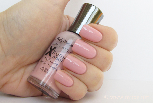First Blush Sally Hansen свотч