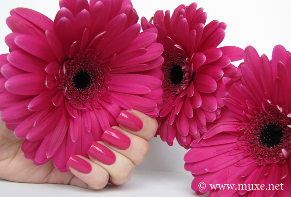 Sally Hansen Twisted Pink свотч