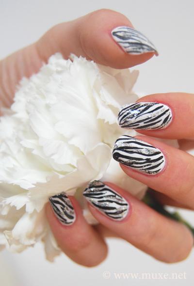Ногти зебра дизайн