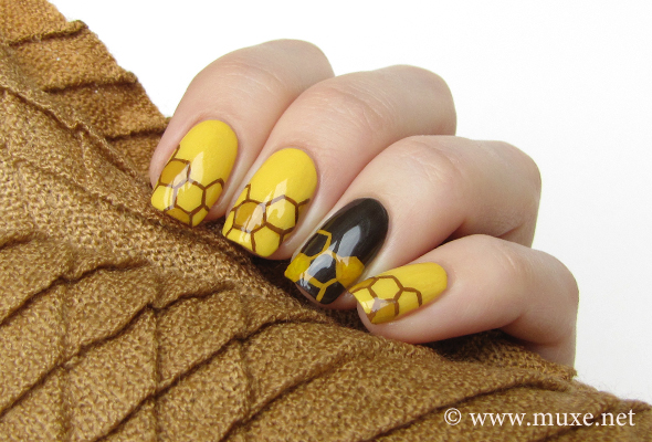 Honey nails design