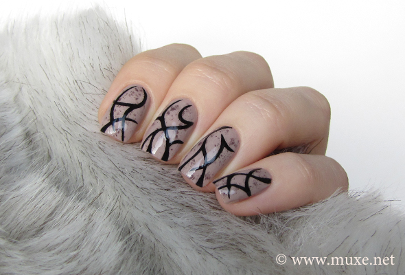 Tattoo nails design