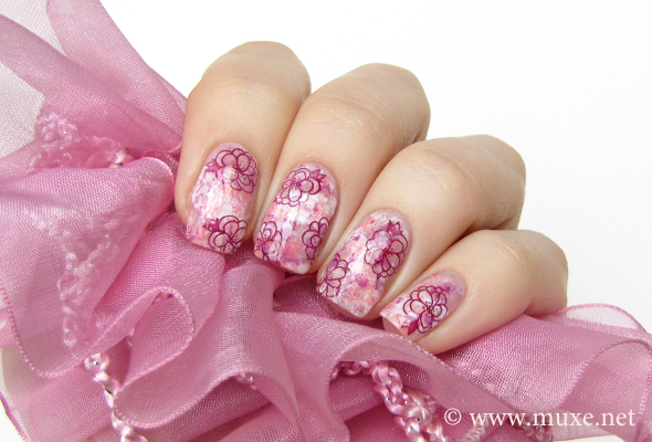 Pink and white nails with flowers