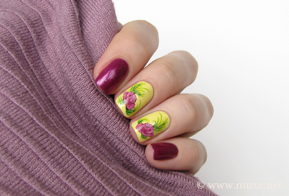 Water decals nail art
