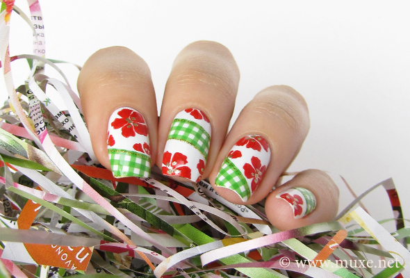 Green checkered nail design