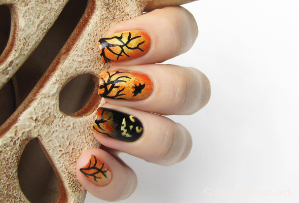 Halloween scary nails with bat