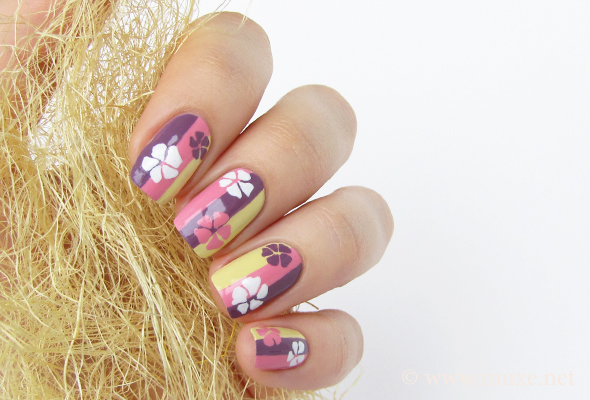 Nails with stripes and flowers