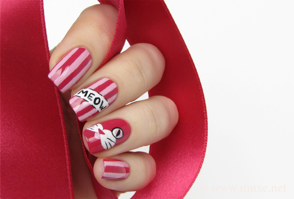 Pink nails with stripes design