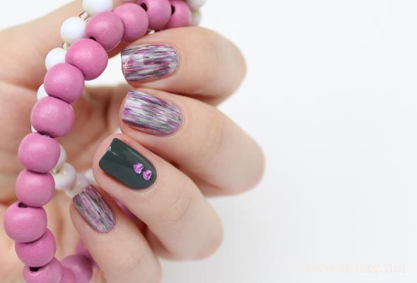 Dry brush pink nail design
