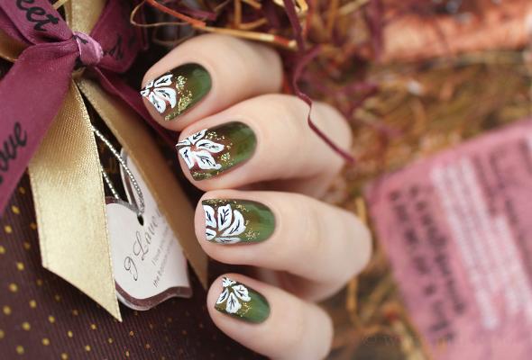 Poinsettia nail design for Christmas