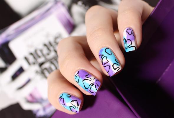 Dance Legend tints nail polishes