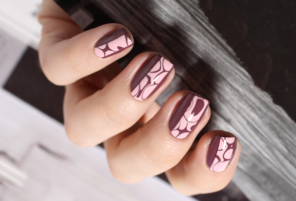 Dry water marble nails