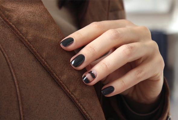 Dark khaki nails
